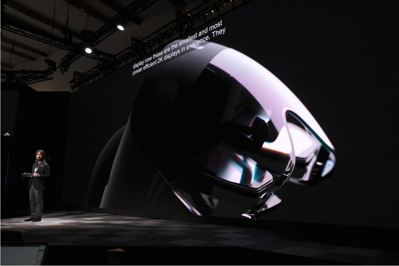 Познакомьтесь с HoloLens от Microsoft за $3500 с вдвое увеличенным углом обзора